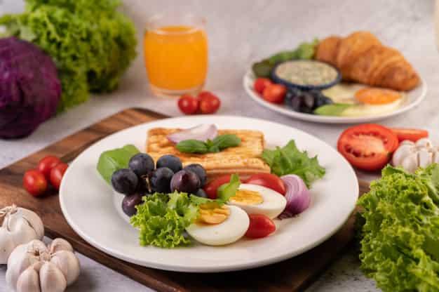 اتباع نظام غذائي متوازن وصحي